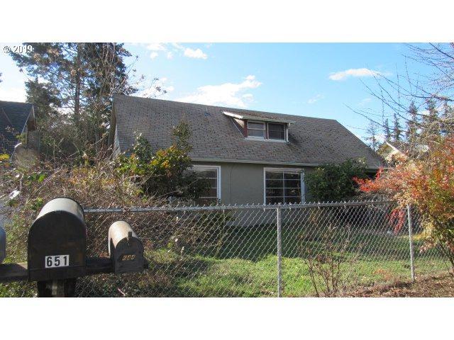 644 W Ballf St, Roseburg, OR 97471 (MLS #19366012) :: TK Real Estate Group