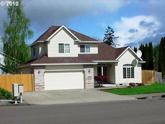2395 NE Estate Dr, Hillsboro, OR 97124 (MLS #19366647) :: Townsend Jarvis Group Real Estate
