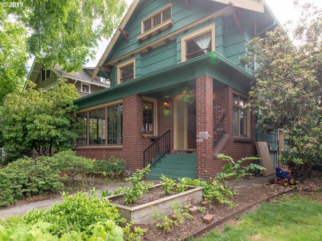 2119 SE Larch Ave, Portland, OR 97214 (MLS #19369136) :: The Sadle Home Selling Team