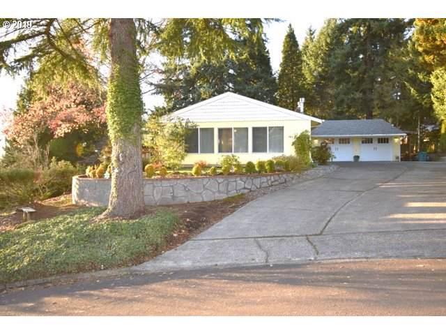 2304 NE 45TH Cir, Vancouver, WA 98663 (MLS #19392290) :: Team Zebrowski