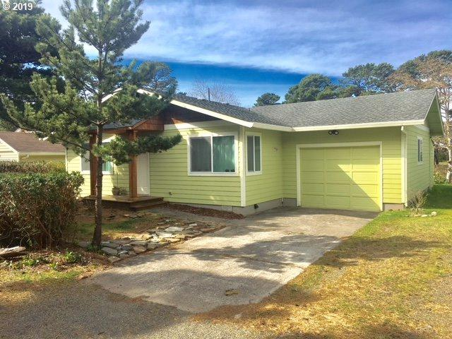 2191 NW Keel Ave, Lincoln City, OR 97367 (MLS #19404060) :: Change Realty