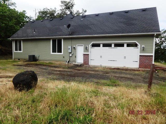 817 NE Garden Valley Blvd, Roseburg, OR 97470 (MLS #19408811) :: Gregory Home Team   Keller Williams Realty Mid-Willamette