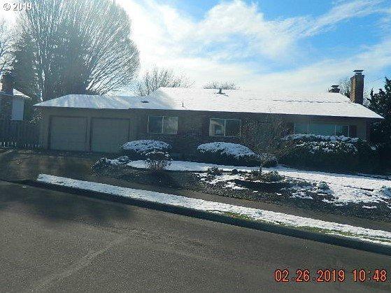 4255 NW Carlton Ct, Portland, OR 97229 (MLS #19410801) :: Gregory Home Team | Keller Williams Realty Mid-Willamette