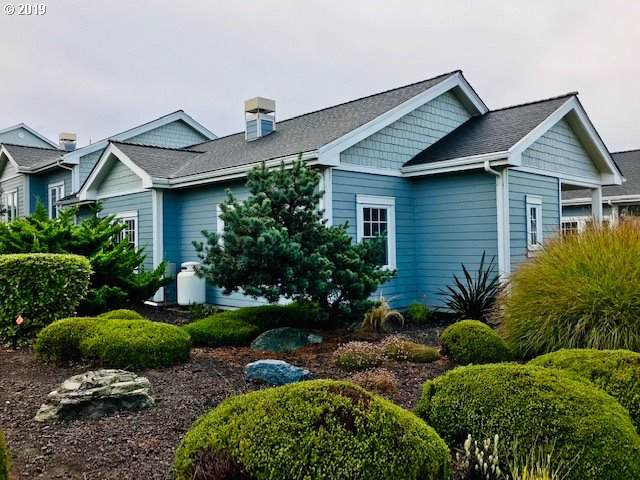 1398 SW Village Loop, Bandon, OR 97411 (MLS #19412758) :: Homehelper Consultants