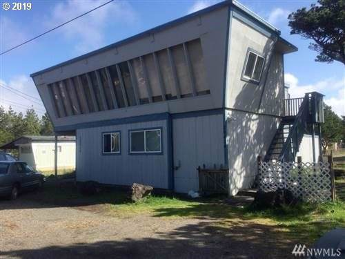 29406 H St, Ocean Park, WA 98640 (MLS #19419586) :: Song Real Estate