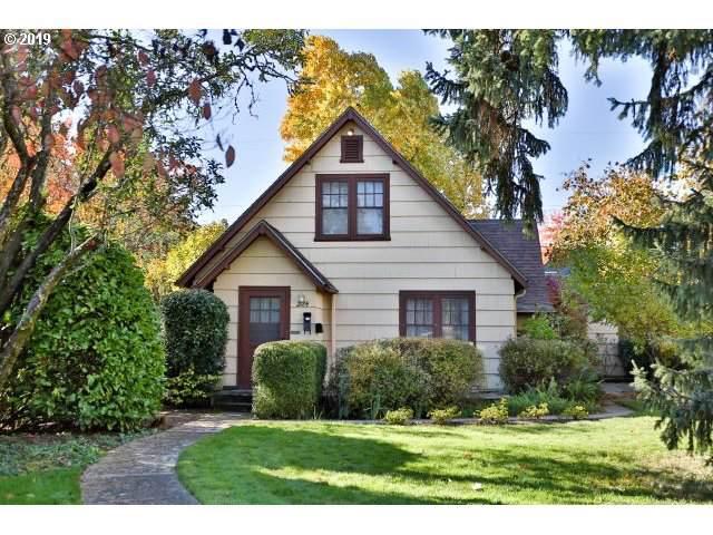 2124 Emerald St, Eugene, OR 97403 (MLS #19422381) :: Gregory Home Team | Keller Williams Realty Mid-Willamette