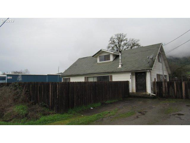 118 E Sixth Ave, Riddle, OR 97469 (MLS #19424663) :: The Sadle Home Selling Team