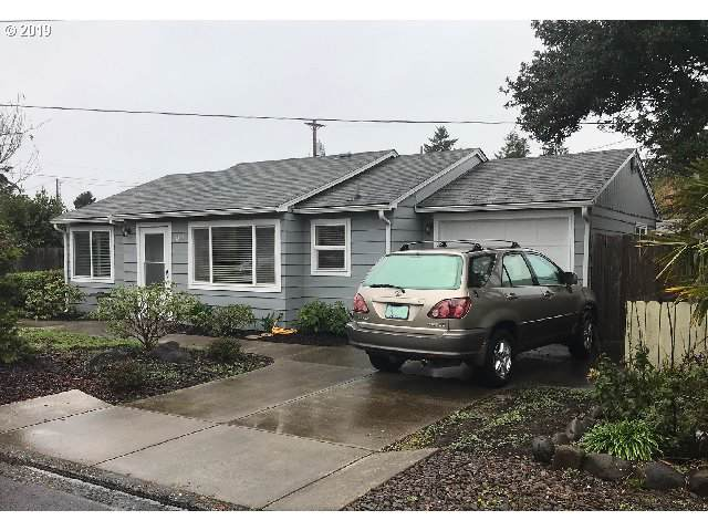 1317 7TH St, Florence, OR 97439 (MLS #19443843) :: Townsend Jarvis Group Real Estate