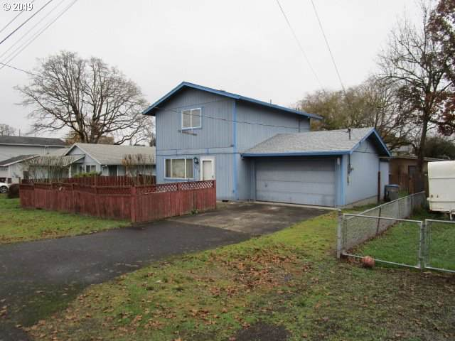 454 S 9TH St, St. Helens, OR 97051 (MLS #19455912) :: Change Realty