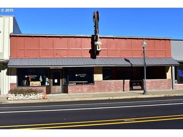 473 Fir Ave, Reedsport, OR 97467 (MLS #19458920) :: Song Real Estate