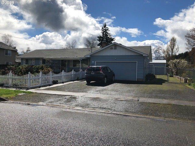 255 D St, Creswell, OR 97426 (MLS #19464993) :: The Galand Haas Real Estate Team