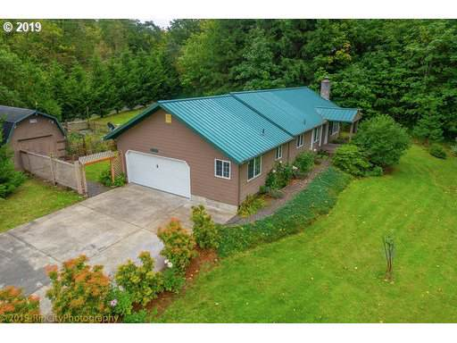 32910 Graham Rd, Rainier, OR 97048 (MLS #19474971) :: Brantley Christianson Real Estate