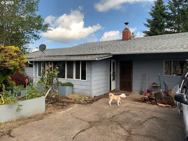 24881 Mccutcheon Ave, Veneta, OR 97487 (MLS #19477816) :: Gregory Home Team | Keller Williams Realty Mid-Willamette