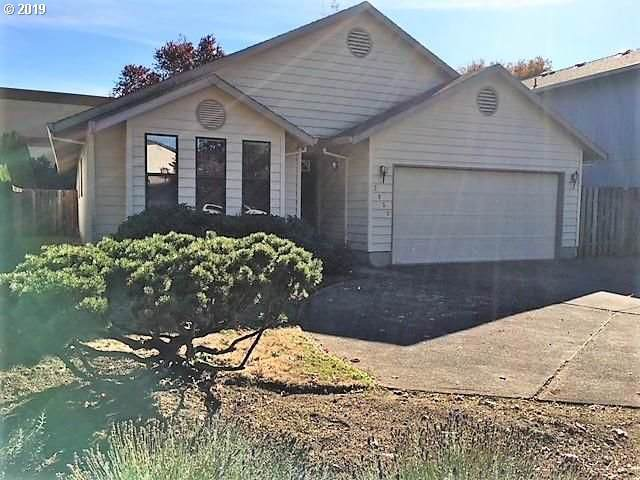 2859 SW Hope Ct, Troutdale, OR 97060 (MLS #19481022) :: Cano Real Estate