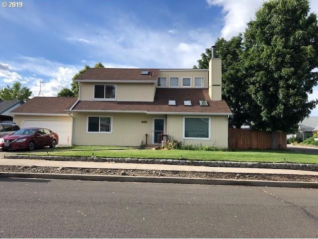 2309 E M Ct, La Grande, OR 97850 (MLS #19486838) :: R&R Properties of Eugene LLC