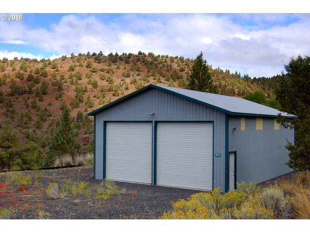 18344 SE Boulder Ln, Prineville, OR 97754 (MLS #19499617) :: McKillion Real Estate Group