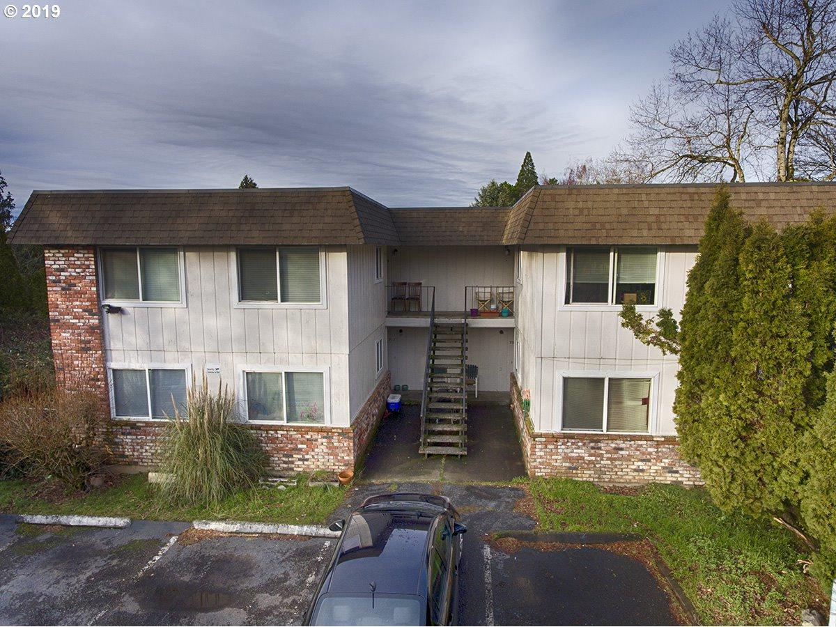 709 212TH Ave - Photo 1