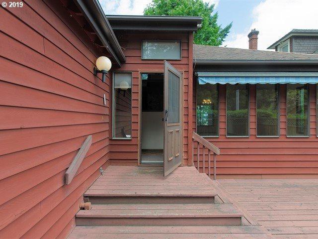 1693 SW Montgomery Dr, Portland, OR 97201 (MLS #19509695) :: Homehelper Consultants