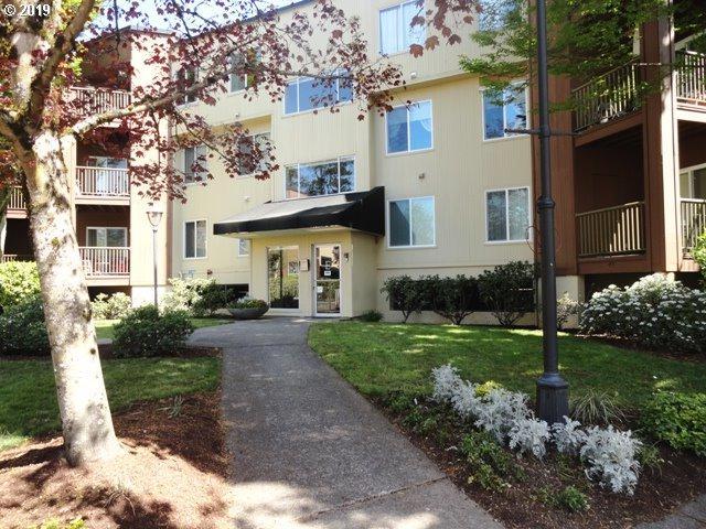 8720 SW Tualatin Rd #109, Tualatin, OR 97062 (MLS #19513643) :: McKillion Real Estate Group