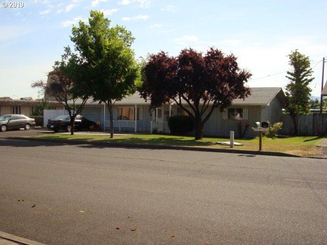 1216 N Elizabeth St, Milton-Freewater, OR 97862 (MLS #19541351) :: Song Real Estate