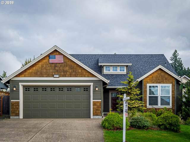 14877 Rooster Rock Ave, Aurora, OR 97002 (MLS #19546563) :: Cano Real Estate