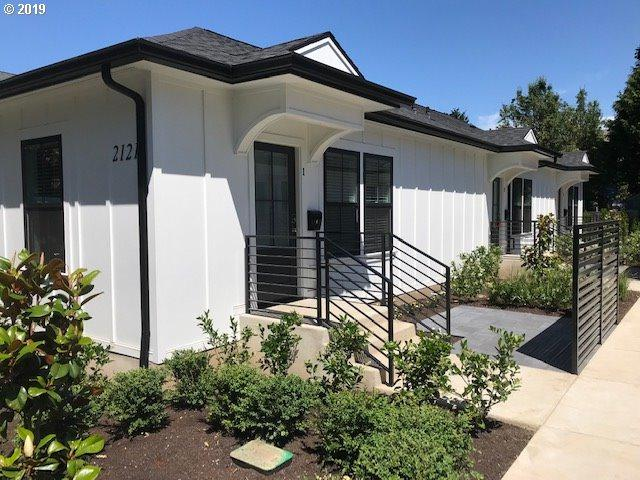 2121 SE Caruthers St, Portland, OR 97214 (MLS #19547398) :: The Liu Group