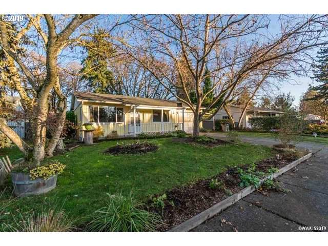 2722 S 7TH St, Lebanon, OR 97355 (MLS #19551511) :: Change Realty