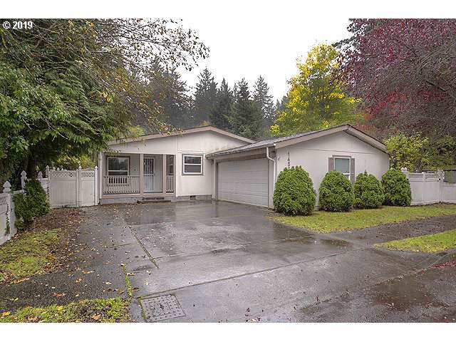 14526 SE Center St, Portland, OR 97236 (MLS #19564237) :: Gustavo Group