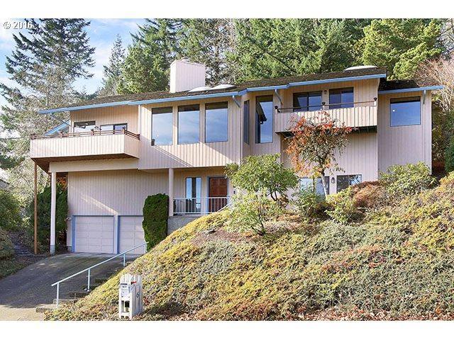 6 Garibaldi St, Lake Oswego, OR 97035 (MLS #19567263) :: Fox Real Estate Group