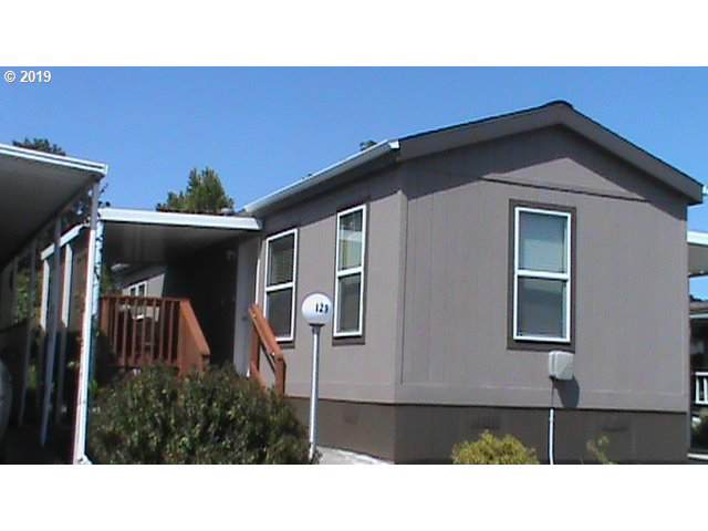 2901 E 2nd St #129, Newberg, OR 97132 (MLS #19578899) :: McKillion Real Estate Group