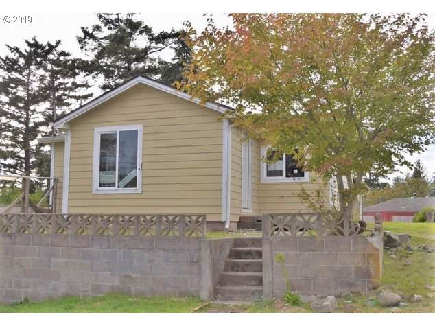 484 N Main, Coos Bay, OR 97420 (MLS #19579510) :: Townsend Jarvis Group Real Estate