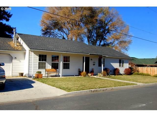 1263 NE Powell Ln, Prineville, OR 97754 (MLS #19581068) :: Cano Real Estate