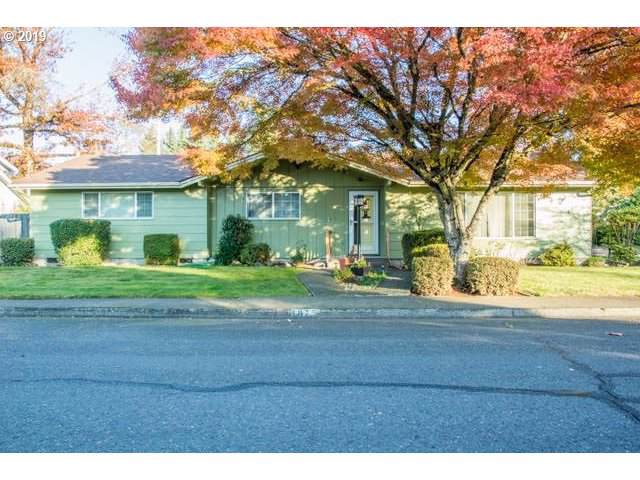 1875 Tabor St, Eugene, OR 97401 (MLS #19587580) :: Song Real Estate
