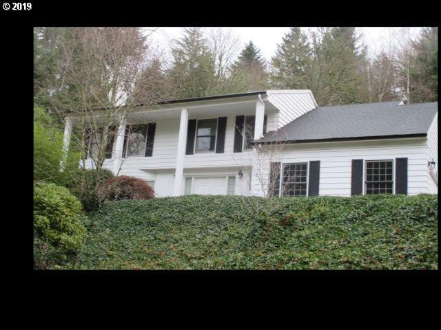 18052 Hobbit Ct, Lake Oswego, OR 97034 (MLS #19591045) :: Townsend Jarvis Group Real Estate