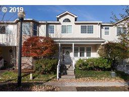 14437 SE Bridgeton St, Clackamas, OR 97015 (MLS #19594312) :: Matin Real Estate Group