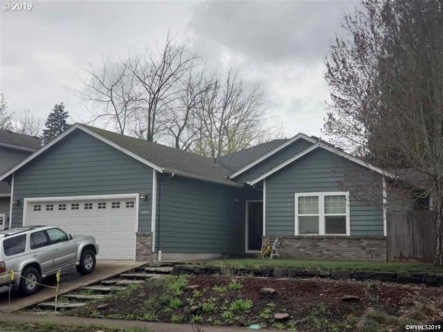 2200 Mickie Dr, Lebanon, OR 97355 (MLS #19597190) :: Townsend Jarvis Group Real Estate