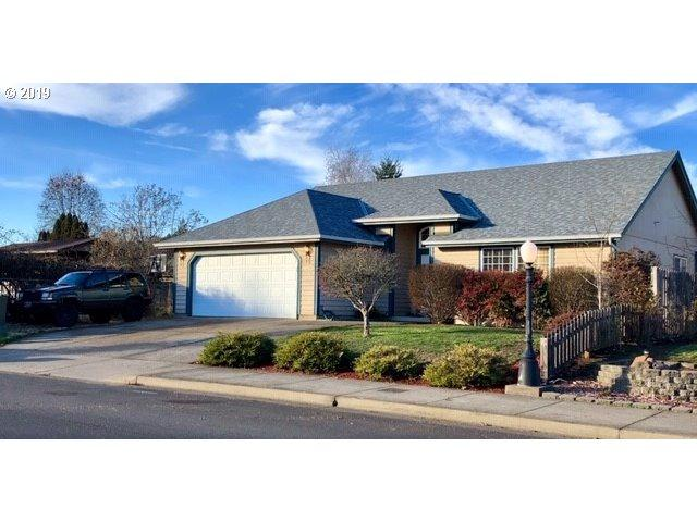 1650 Daugherty Ave, Cottage Grove, OR 97424 (MLS #19609092) :: R&R Properties of Eugene LLC