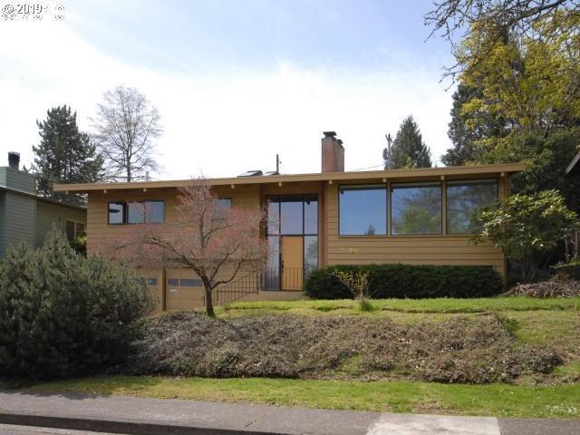2570 Charnelton St, Eugene, OR 97405 (MLS #19609649) :: The Lynne Gately Team