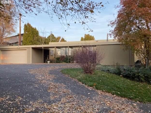 411 NW Horn Ave, Pendleton, OR 97801 (MLS #19614699) :: R&R Properties of Eugene LLC