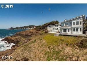 440 SW Pine Ct, Depoe Bay, OR 97341 (MLS #19616033) :: Premiere Property Group LLC