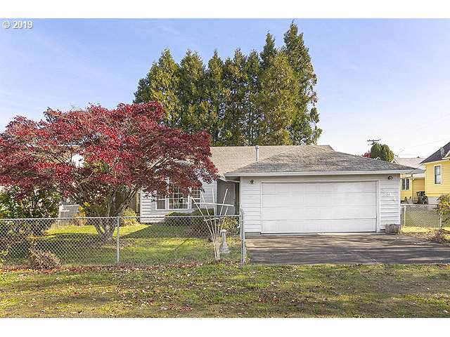 394 S 15TH St, St. Helens, OR 97051 (MLS #19623043) :: Gregory Home Team | Keller Williams Realty Mid-Willamette