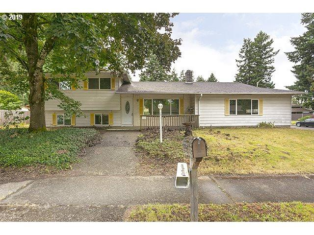 711 NE 195TH Ave, Portland, OR 97230 (MLS #19634428) :: Brantley Christianson Real Estate