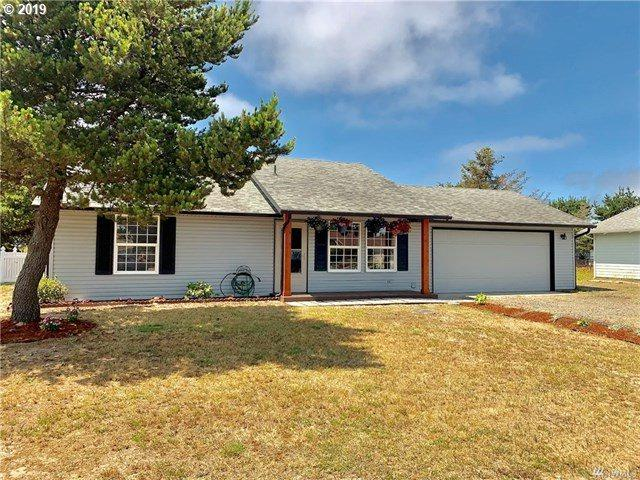 35205 G St, Ocean Park, WA 98640 (MLS #19634960) :: Matin Real Estate Group