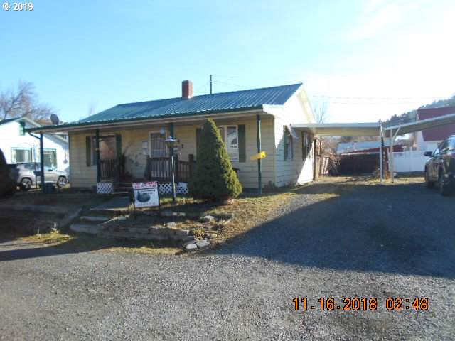242 NW 1ST Ave, John Day, OR 97845 (MLS #19657873) :: Lucido Global Portland Vancouver