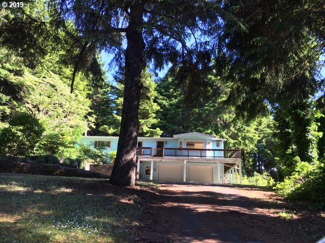 62363 Crown Point Rd, Coos Bay, OR 97420 (MLS #19662204) :: R&R Properties of Eugene LLC