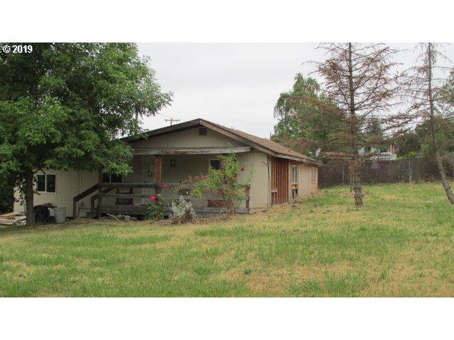 380 NW Morgan Ave, Winston, OR 97496 (MLS #19668378) :: Song Real Estate