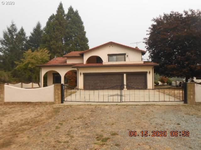 2305 Glenbrook Loop Rd, Riddle, OR 97469 (MLS #20032814) :: Townsend Jarvis Group Real Estate