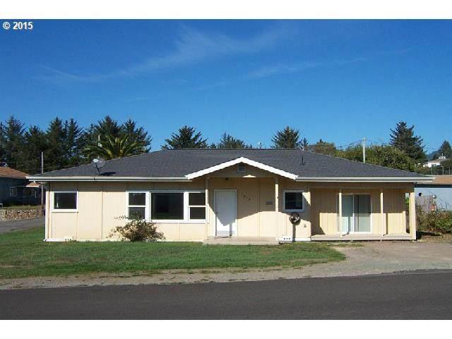1244 Moore St, Brookings, OR 97415 (MLS #20067136) :: McKillion Real Estate Group