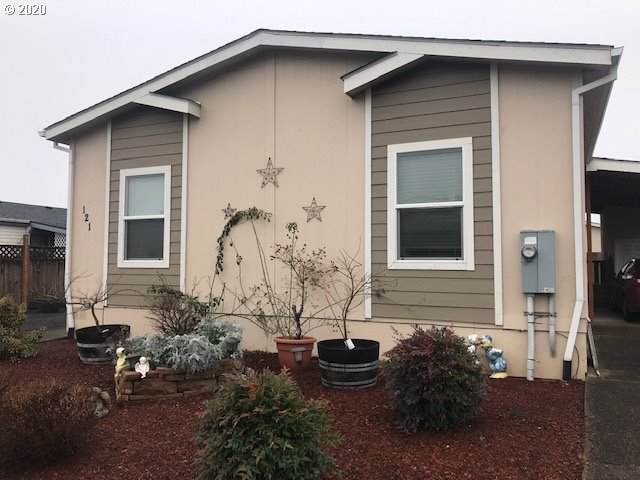 1000 Wilsonville Rd #121, Newberg, OR 97132 (MLS #20072071) :: The Liu Group