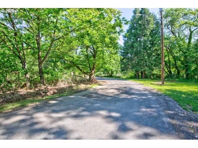 240 NE Harrison St, Canyonville, OR 97417 (MLS #20084889) :: TK Real Estate Group